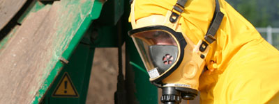 worker wearing respiratoratory protection